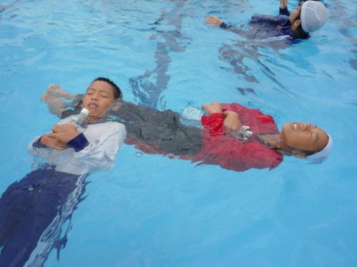 着衣泳法 講習会.jpg