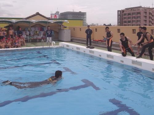 着衣泳3.jpg