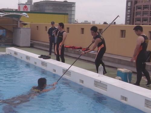 着衣泳4.jpg